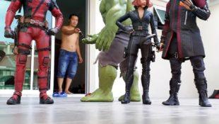 Action-Figuren ganz groß: Dieser Typ lässt Superhelden-Figuren bemerkenswert real aussehen